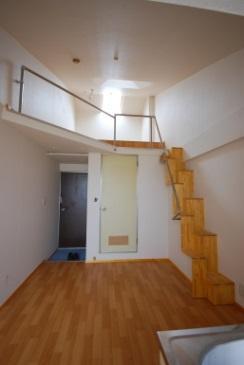 ロフト付きアパート 洋室ロフト側