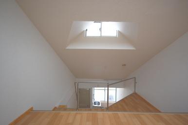 ロフト付きアパート ロフト階から越窓