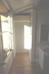 ロフト付きアパート洗濯機置き場